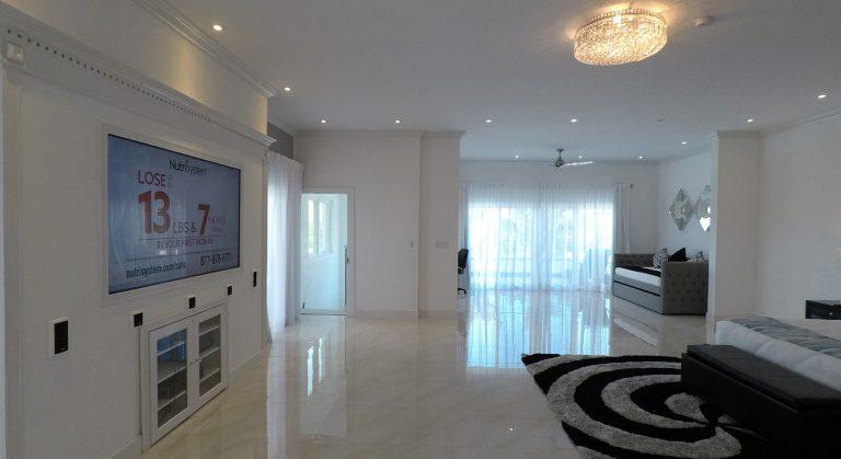 White-house-bedroom1